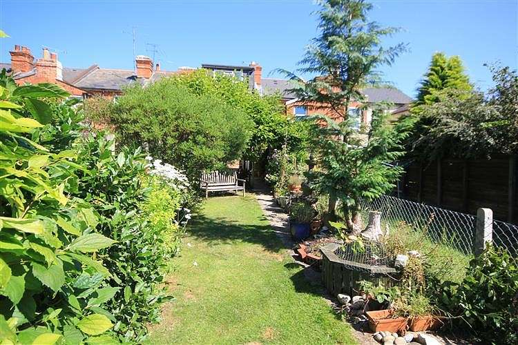 4 Bedrooms Terraced House for sale in Queen's Road, Caversham, Reading, RG4