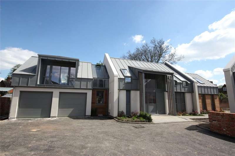 5 Bedrooms Detached House for sale in Belle Vue Court, Salisbury, Wiltshire, SP1