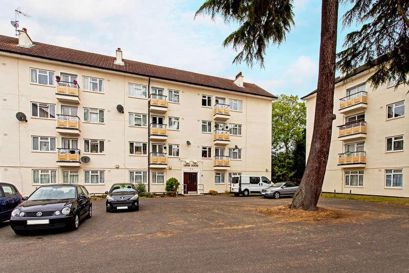 3 Bedrooms Flat for sale in Kingsnympton Park, Kingston upon Thames, KT2