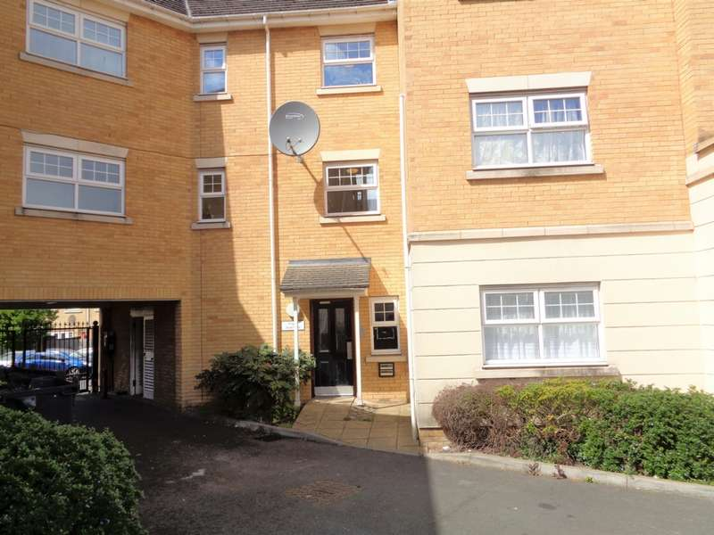 2 Bedrooms Flat for sale in Scott Road, Edgware, HA8