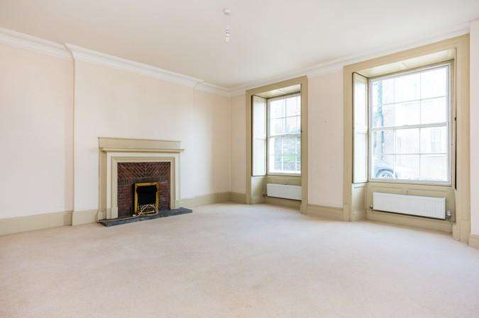 4 Bedrooms Terraced House for sale in Priestlands Court, Priestlands Lane, Sherborne