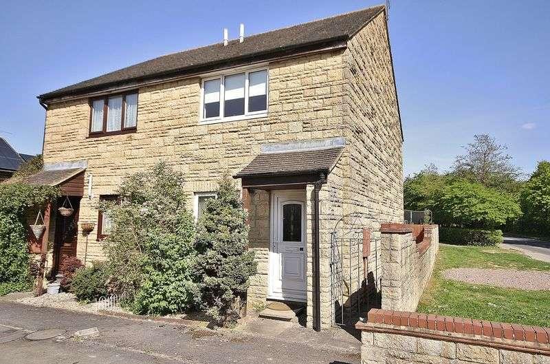 2 Bedrooms House for sale in BURWELL MEADOW, Witney OX28 5JU