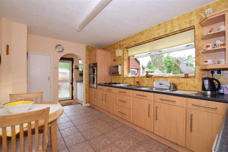 3 Bedrooms Detached Bungalow for sale in Dene Close, Dartford, Kent