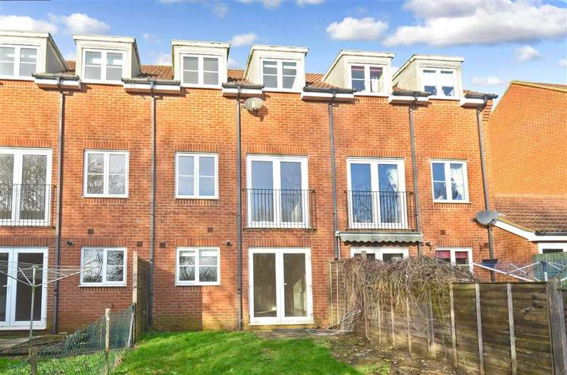 4 Bedrooms Town House for sale in Aspen Drive, Whitfield, Dover, Kent