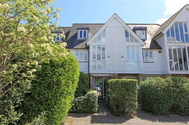 3 Bedrooms Terraced House for sale in Saxon Shore, Island Wall, Whitstable