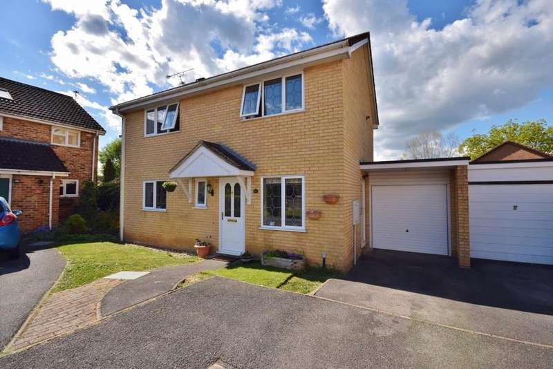 3 Bedrooms Detached House for sale in Chineham, Basingstoke, RG24