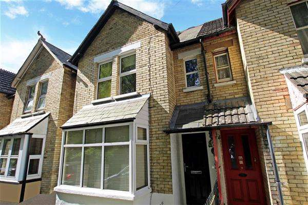 3 Bedrooms Terraced House for sale in Approach Road, Poole