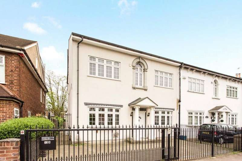 6 Bedrooms Semi Detached House for sale in Lansdowne Road, London, E18