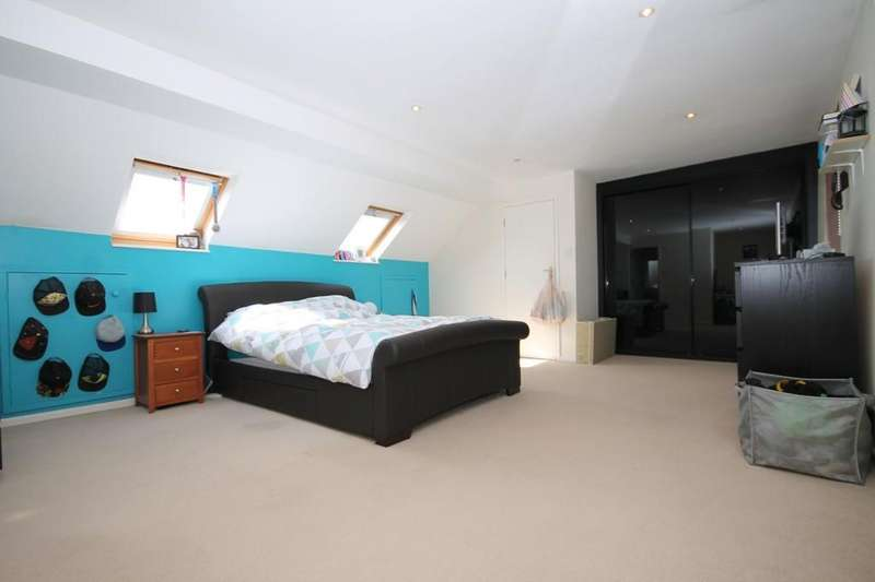 3 Bedrooms Semi Detached Bungalow for sale in Grover Avenue, Lancing