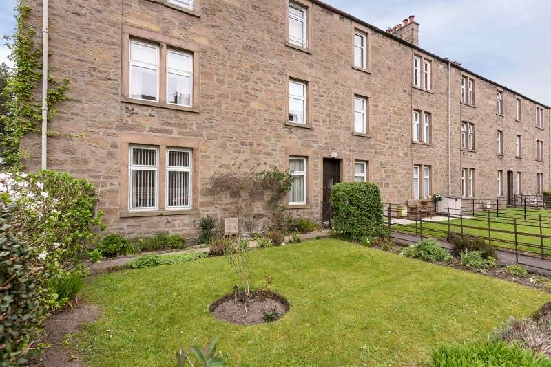2 Bedrooms Flat for sale in Tullideph Street, Dundee, Angus, DD2 2PQ