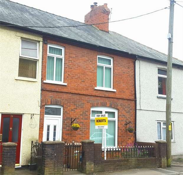 3 Bedrooms Terraced House for sale in Gladstone Street, Cross Keys, NEWPORT, Caerphilly