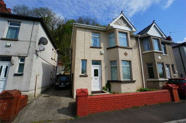3 Bedrooms Semi Detached House for sale in Herbert Avenue, Risca, NEWPORT, Caerphilly