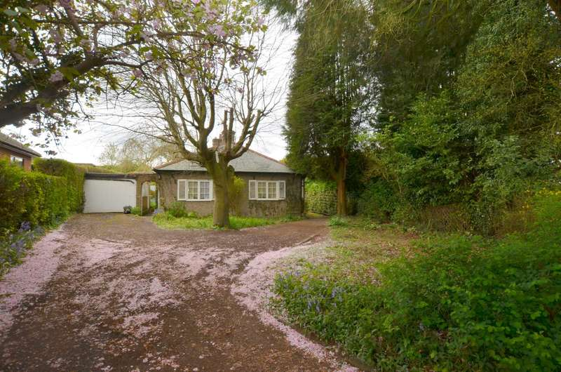 2 Bedrooms Detached Bungalow for sale in Hivings Hill, Chesham HP5