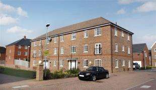 2 Bedrooms Flat for sale in Hampton House, The Boulevard, Tangmere, Chichester
