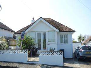 2 Bedrooms Bungalow for sale in Westfield Avenue South, Saltdean, Brighton, East Sussex