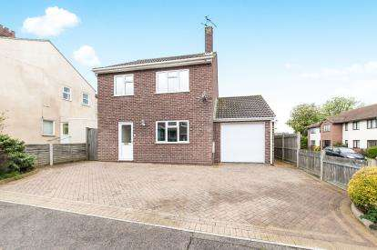 3 Bedrooms Detached House for sale in Walton On The Naze, Essex