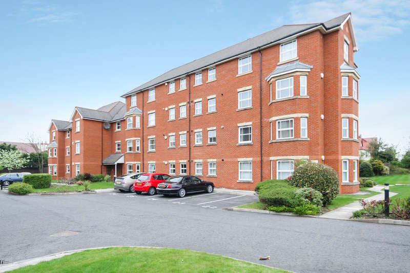 2 Bedrooms Flat for sale in Cambridge Road, Southport
