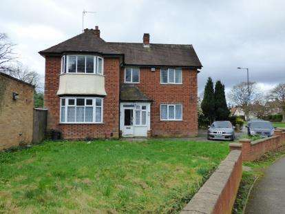 Semi Detached House for sale in Howard Road, Kings Heath, Birmingham, West Midlands