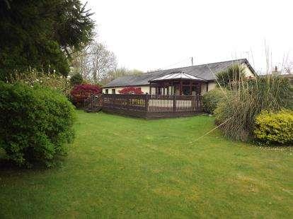 3 Bedrooms Bungalow for sale in Groeslon, Caernarfon, Gwynedd, LL54