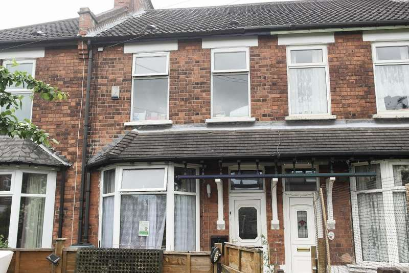3 Bedrooms Terraced House for sale in Farnley Square, Ella Street, Hull, HU5 3AN