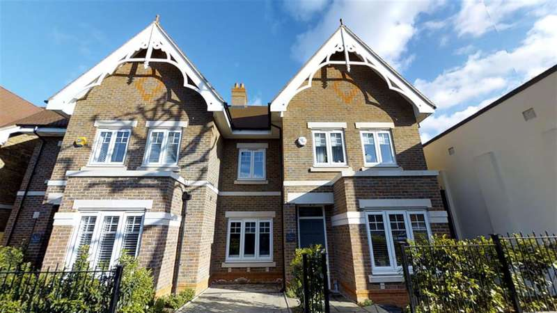 4 Bedrooms Semi Detached House for sale in Newmount Court, Julian Avenue , Ealing, W5 4XA