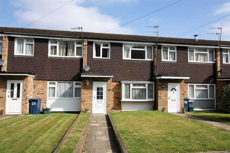 3 Bedrooms Terraced House for sale in Cresswell Road, Chesham, Buckinghamshire, HP5 1SX