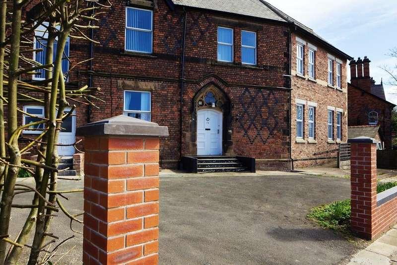 2 Bedrooms Apartment Flat for rent in Park Road West, Prenton