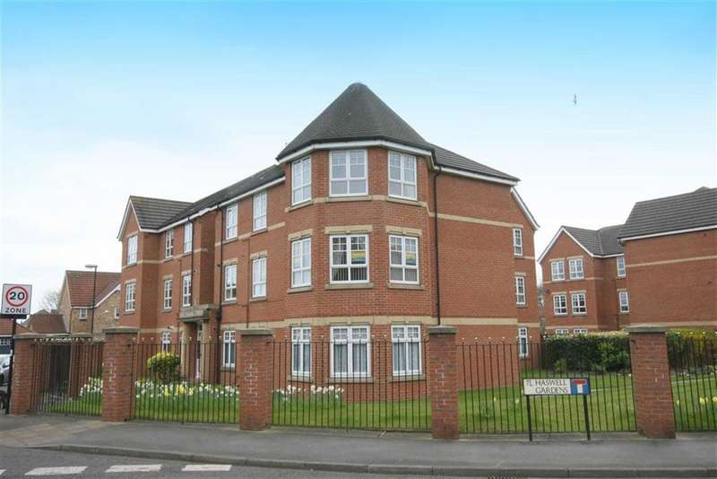 3 Bedrooms Flat for sale in Haswell Gardens, North Shields, Tyne And Wear, NE30