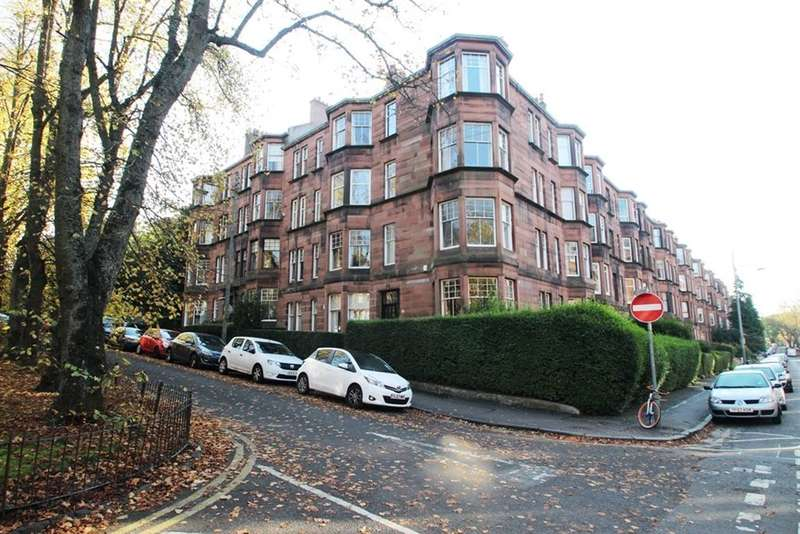 2 Bedrooms Flat for rent in Queensborough Grds, Hyndland, Glasgow