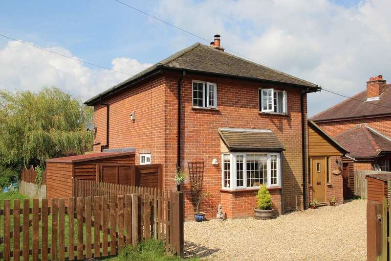 3 Bedrooms Detached House for sale in Walkford Lane, New Milton