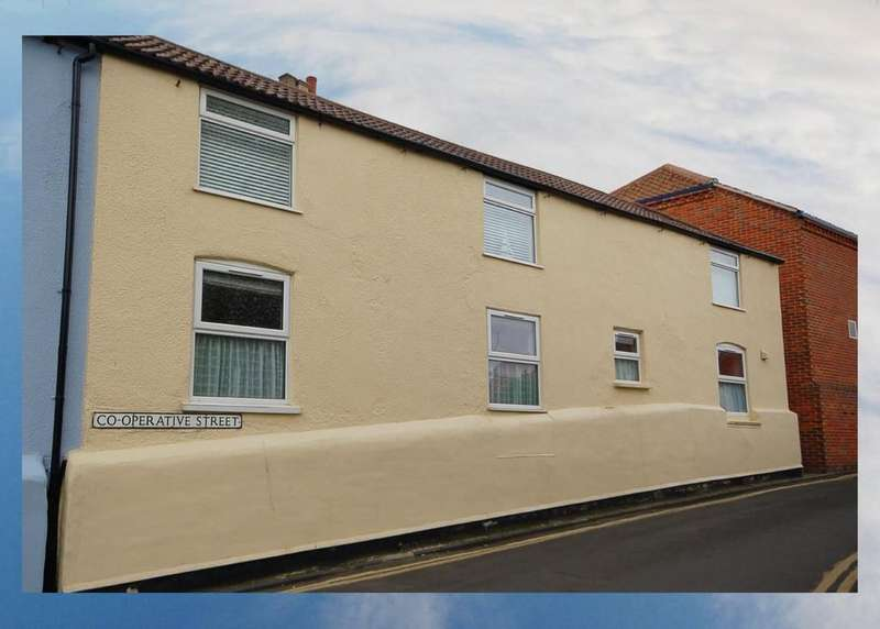 3 Bedrooms Semi Detached House for sale in The Sands, 10a Beeston Road