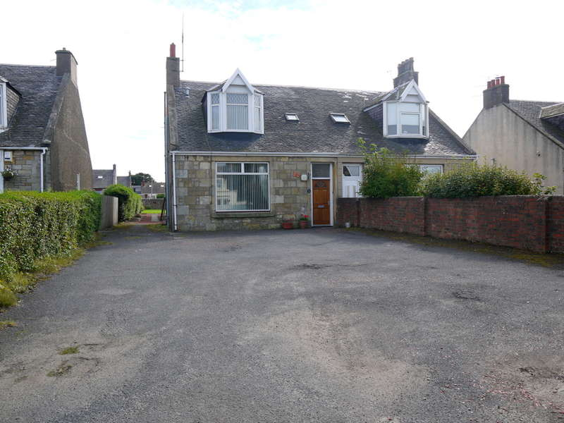 6 Bedrooms Semi Detached Bungalow for sale in Prestwick Road, Ayr, KA8
