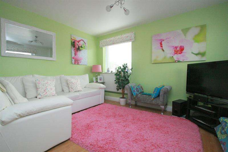 2 Bedrooms Flat for sale in Market Parade, Havant
