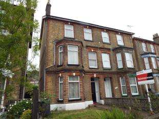 5 Bedrooms Semi Detached House for sale in Folkestone Road, Dover, Kent