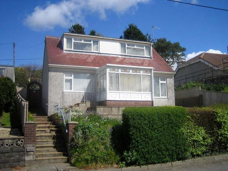 3 Bedrooms Detached House for sale in Carmarthen Rd, Fforest