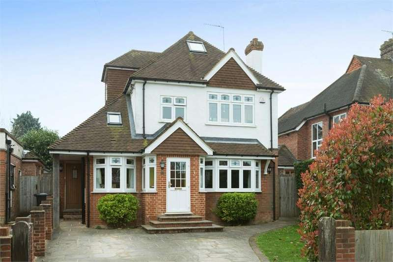 4 Bedrooms Detached House for sale in Carroll Avenue, Guildford, Surrey