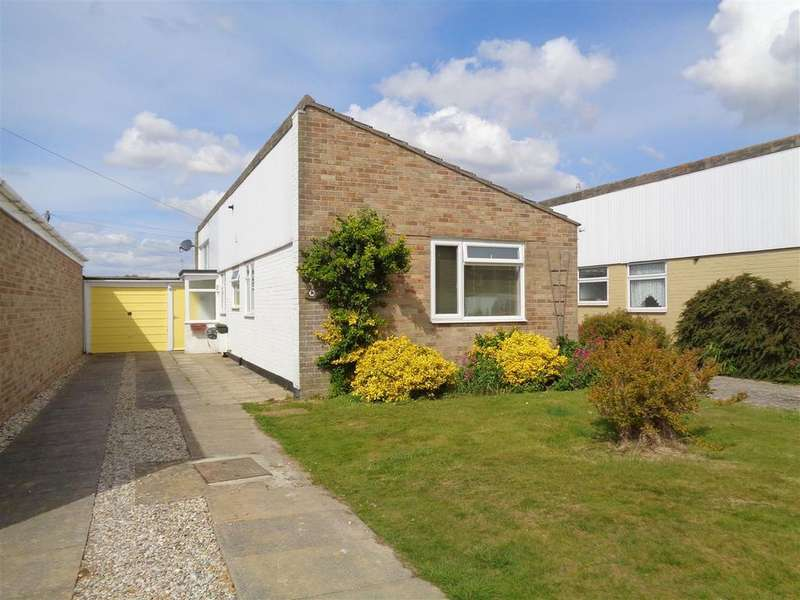 3 Bedrooms Detached Bungalow for sale in Kestrel Court, Pagham