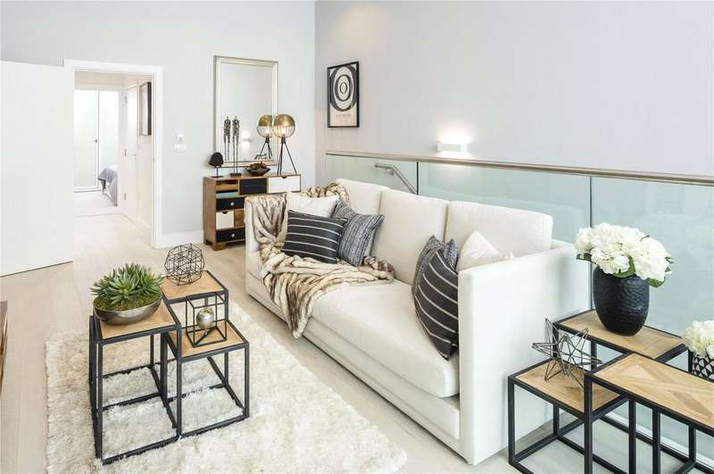 2 Bedrooms Flat for sale in Camden Courtyards, London, NW1