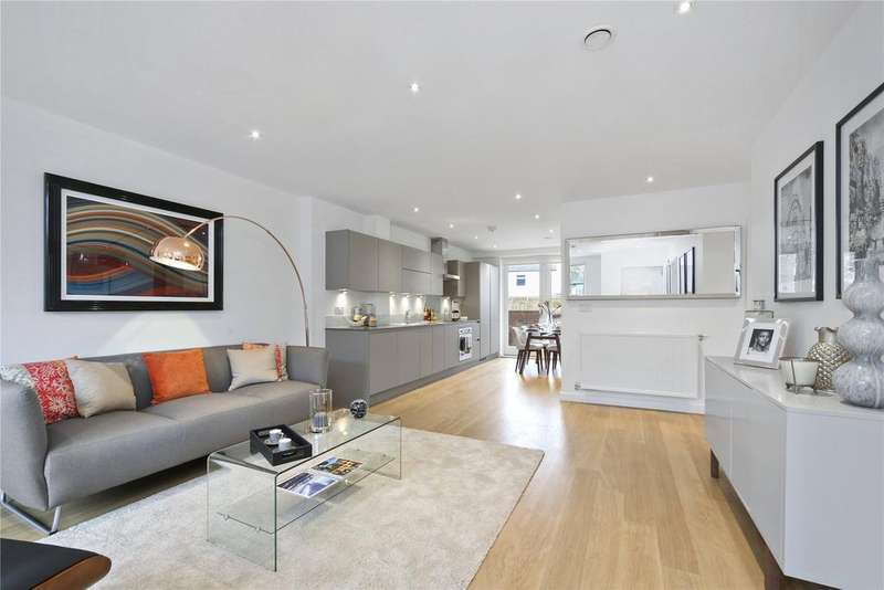2 Bedrooms Flat for sale in Oldridge Road, Balham, London, SW12