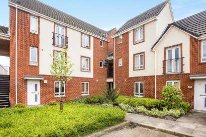 2 Bedrooms Maisonette Flat for sale in Ayrshire Close, Buckshaw Village, Chorley, Lancashire, PR7