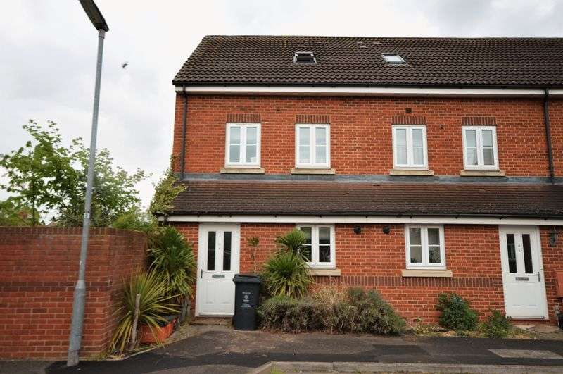 3 Bedrooms House for sale in Pavilion Close, Town Centre Area, Swindon