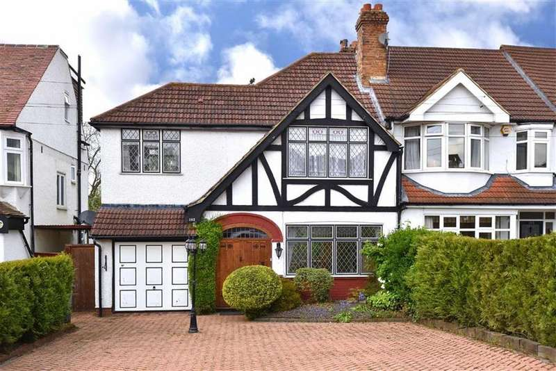 3 Bedrooms End Of Terrace House for sale in Wickham Chase, West Wickham, Kent