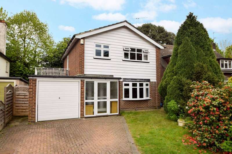 3 Bedrooms Detached House for sale in Long Drive, Burnham, SL1