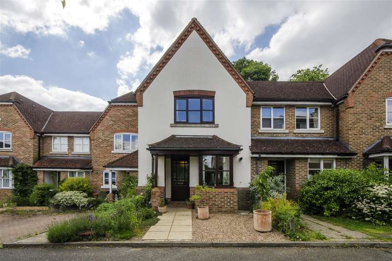 2 Bedrooms Terraced House for sale in Greenfield Drive, East Finchley, London, N2