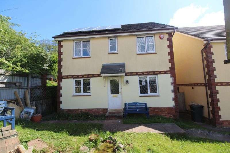 4 Bedrooms Detached House for sale in Mallard Close,