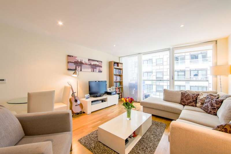 1 Bedroom Flat for sale in Cobalt Point, Canary Wharf, E14