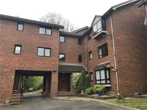 2 Bedrooms Flat for sale in Folland Court, West Cross, Swansea, West Glamorgan