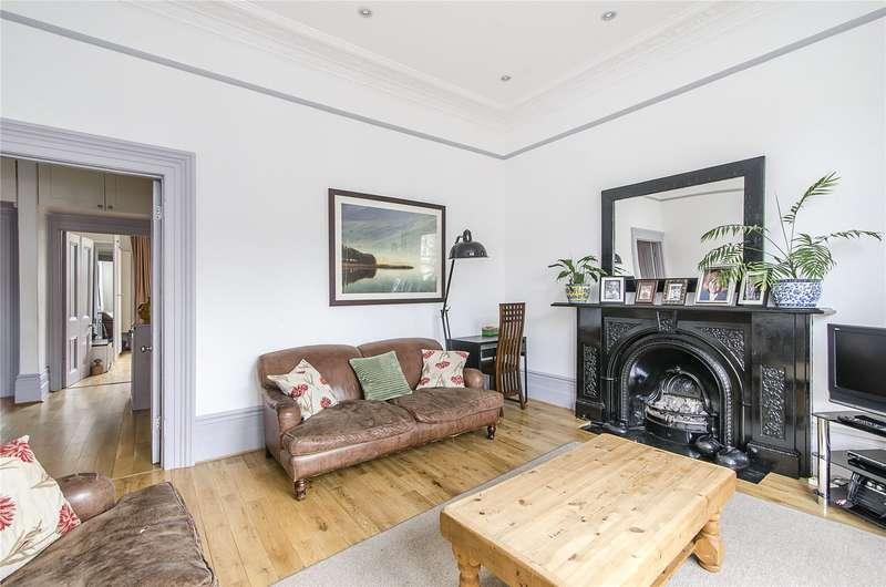 3 Bedrooms Flat for sale in Altenburg Gardens, London, SW11