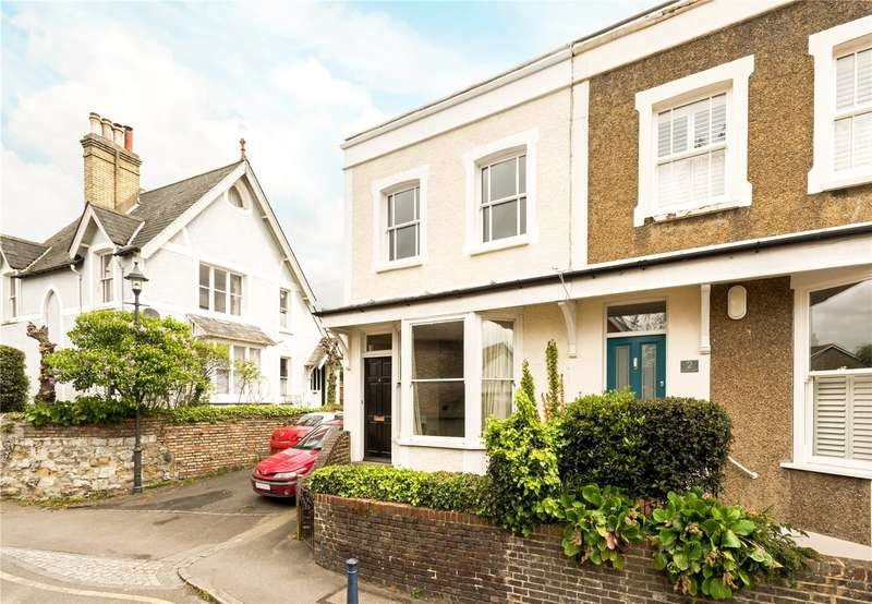 2 Bedrooms Flat for sale in Nutley Lane, Reigate, Surrey, RH2
