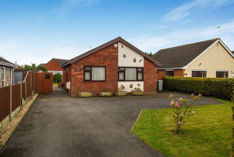 3 Bedrooms Bungalow for sale in Lansdowne, High Street, Ingoldmells, Skegness